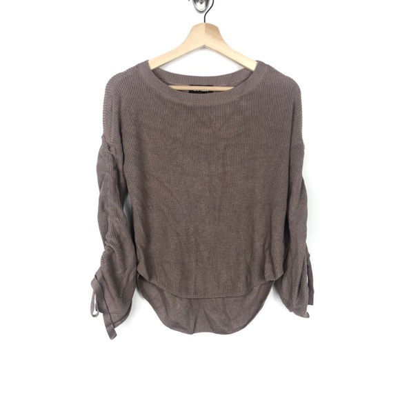 Express Sweaters - Express scrunch sleeves sweater Size Small ✨